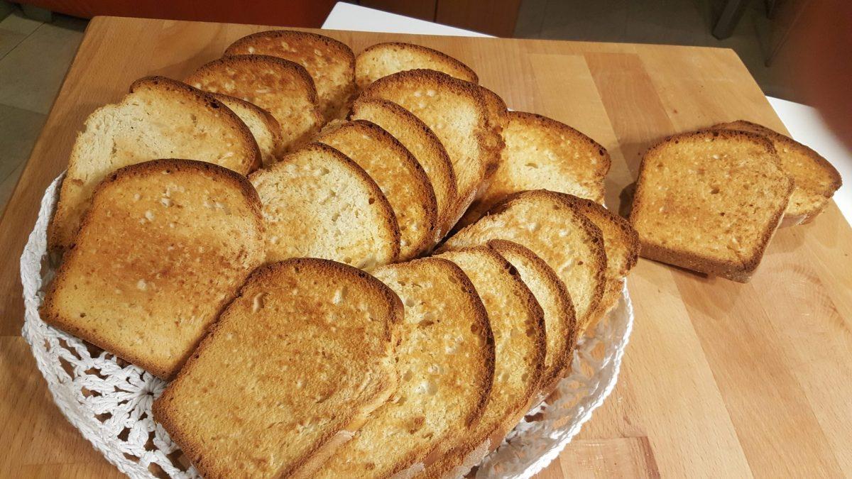 Fette biscottate fatte in casa