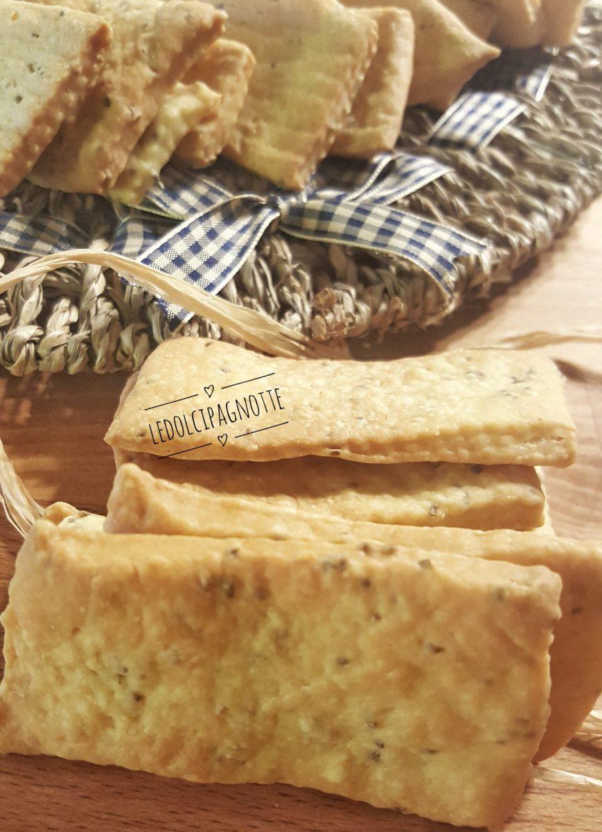 Crackers ai semi di chia con farina di kamut