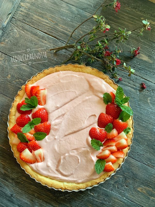 crostata con mousse di fragole